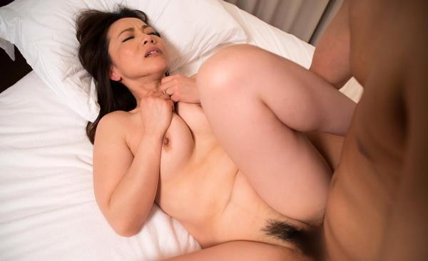 熟女のセックス画像 盛が付いたヤリたいエロ奥様50枚の41枚目