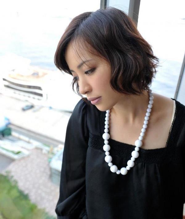 若妻寝取り 微乳のミセス中村佑香セックス画像65枚の005枚目
