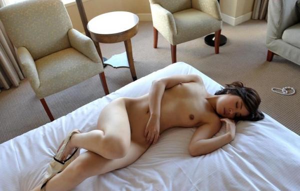 若妻寝取り 微乳のミセス中村佑香セックス画像65枚の017枚目