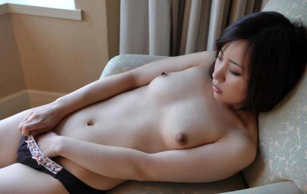 若妻寝取り 微乳のミセス中村佑香セックス画像65枚の050枚目