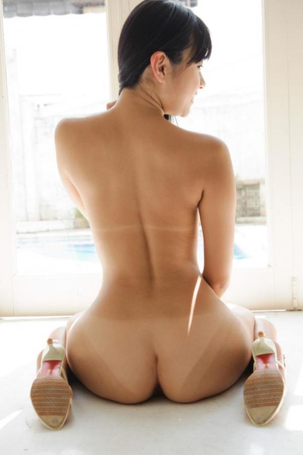 日焼けした艶肌のコントラストがたまらなくエロい画像53枚のa18枚目