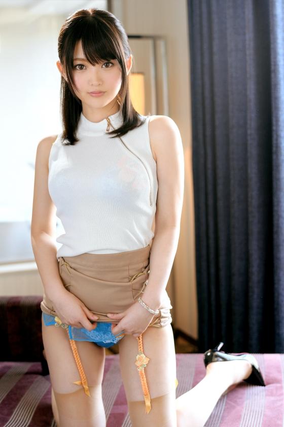 妃月るい 敏感すぎる色白ボディの巨乳美女エロ画像96枚のb002枚目