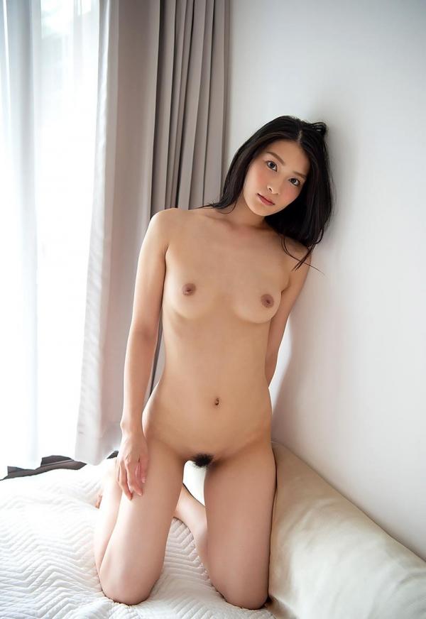 本庄鈴 清楚な顔立ちの色白美女ヌード画像165枚の113枚目