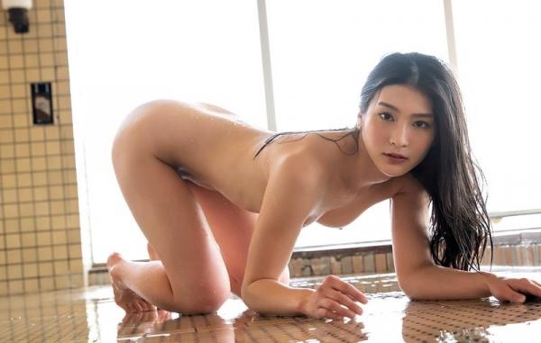 スレンダー美人本庄鈴の艶肌しっとり入浴画像42枚のb11枚目