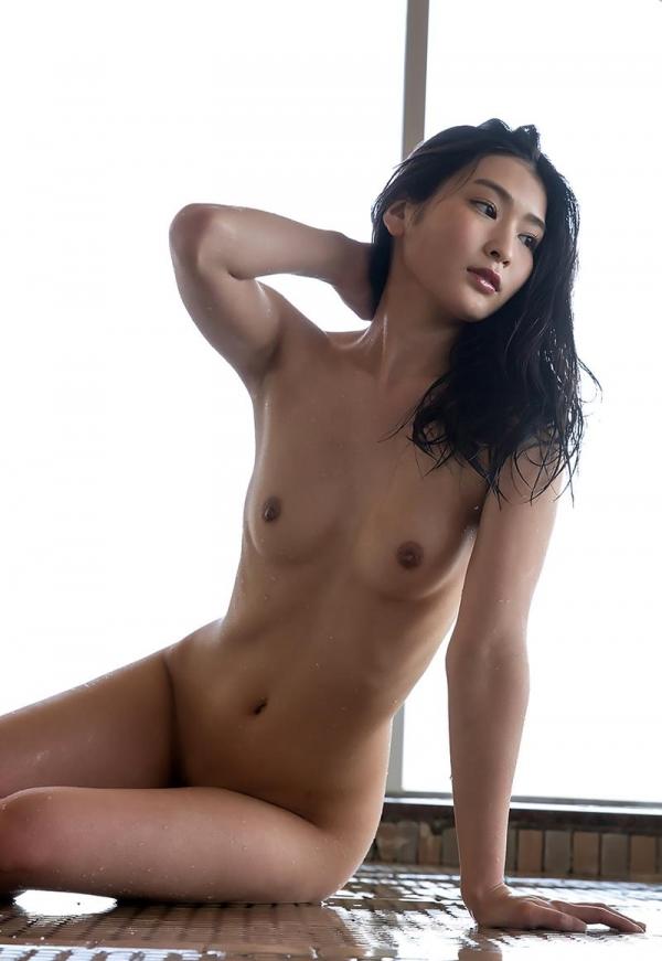 スレンダー美人本庄鈴の艶肌しっとり入浴画像42枚のb12枚目