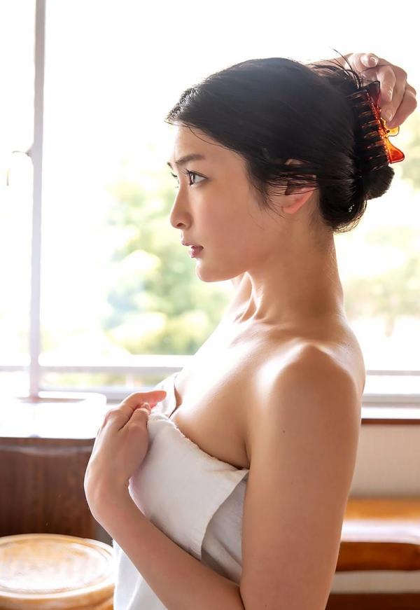 スレンダー美人本庄鈴の艶肌しっとり入浴画像42枚のb28枚目