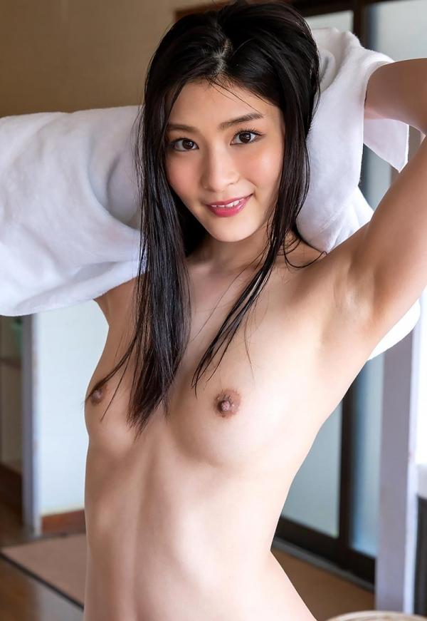 スレンダー美人本庄鈴の艶肌しっとり入浴画像42枚のb33枚目