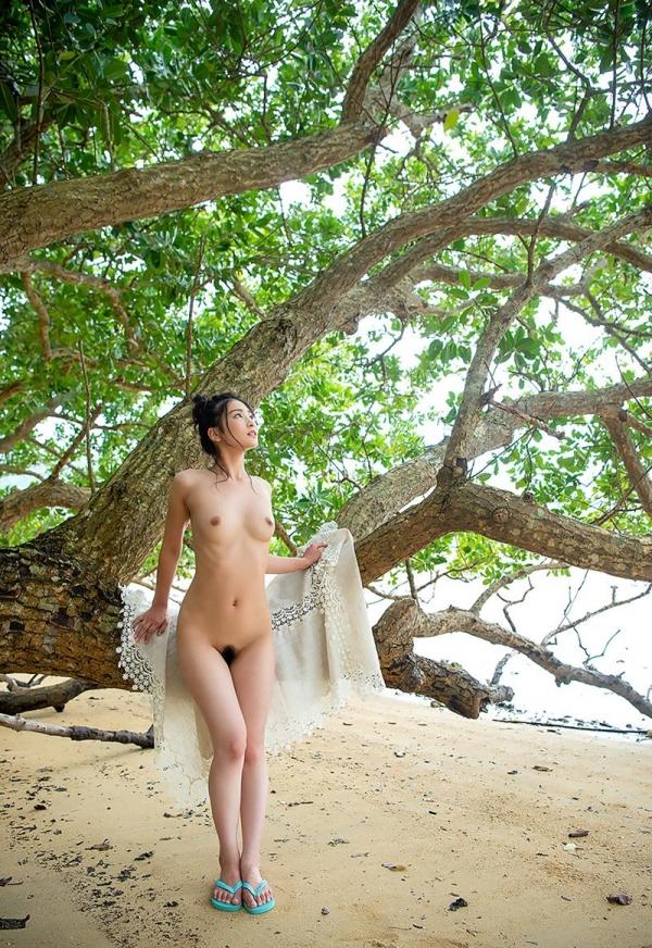 本庄鈴 清楚なスレンダー美人ヌード画像170枚のb004枚目