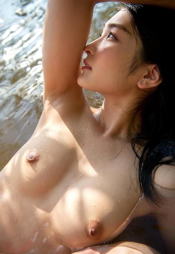 本庄鈴 清楚なスレンダー美人ヌード画像170枚のb129枚目