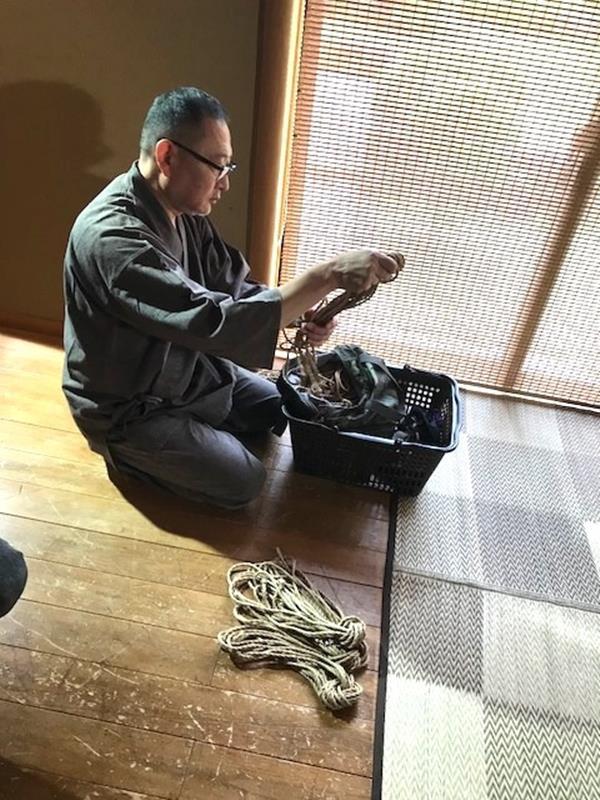 美熟女北条麻紀さん巨匠緊縛師に縛られて感激する【画像50枚】の03枚目