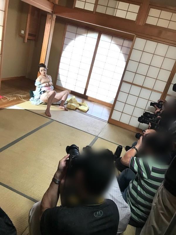 美熟女北条麻紀さん巨匠緊縛師に縛られて感激する【画像50枚】の26枚目