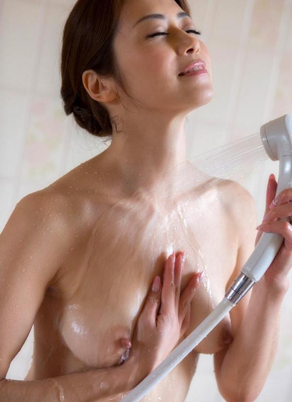 美熟女の入浴シーン 北条麻妃 しっとりエロ画像70枚の009枚目