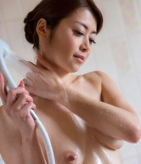 美熟女の入浴シーン 北条麻妃 しっとりエロ画像70枚の1