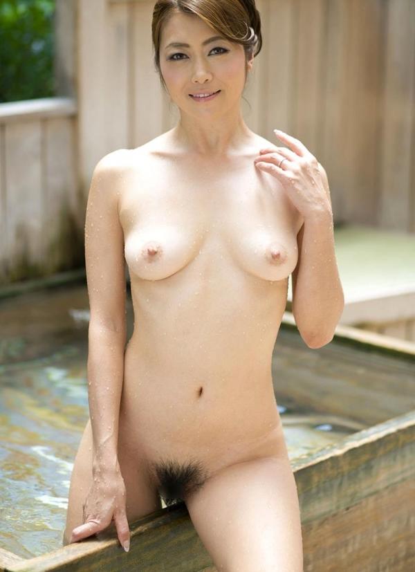 美熟女の入浴シーン 北条麻妃 しっとりエロ画像70枚の053枚目