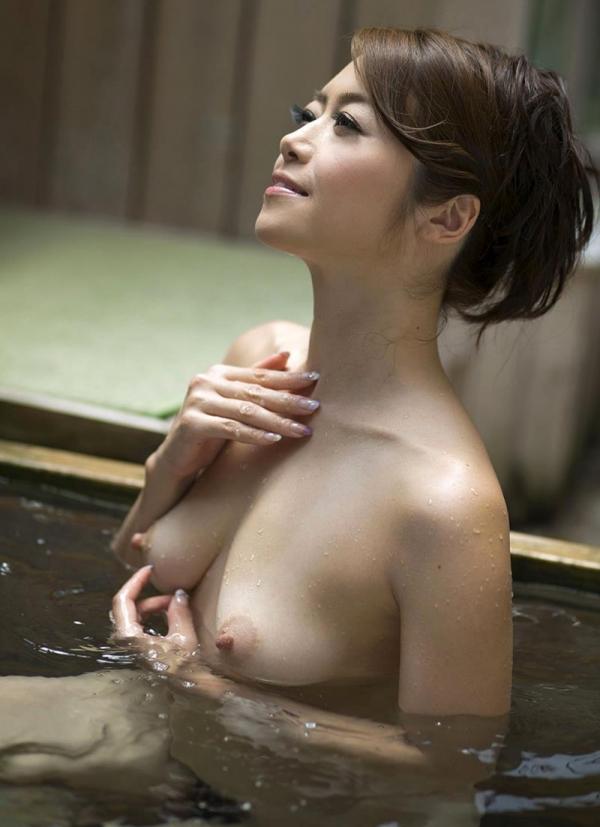 美熟女の入浴シーン 北条麻妃 しっとりエロ画像70枚の058枚目