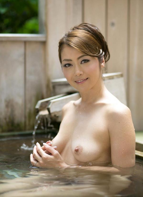 美熟女の入浴シーン 北条麻妃 しっとりエロ画像70枚の060枚目