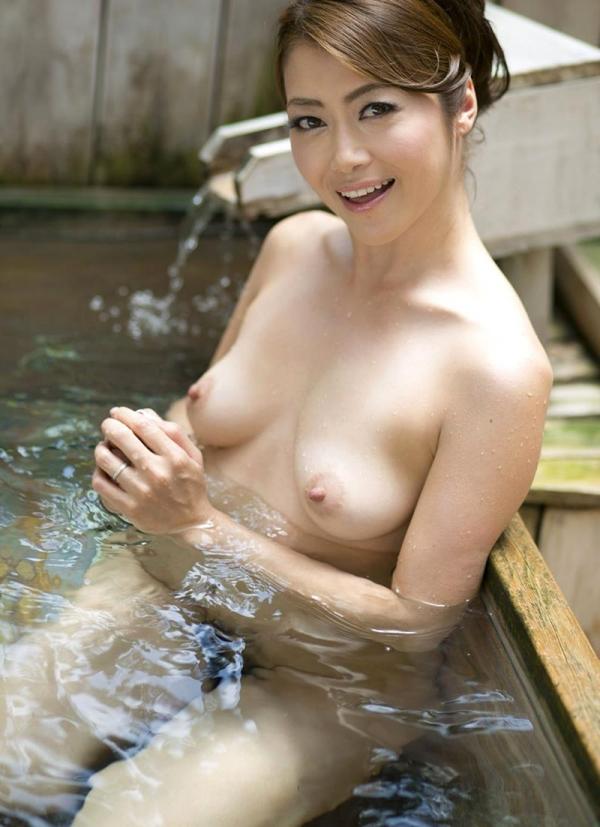 美熟女の入浴シーン 北条麻妃 しっとりエロ画像70枚の061枚目
