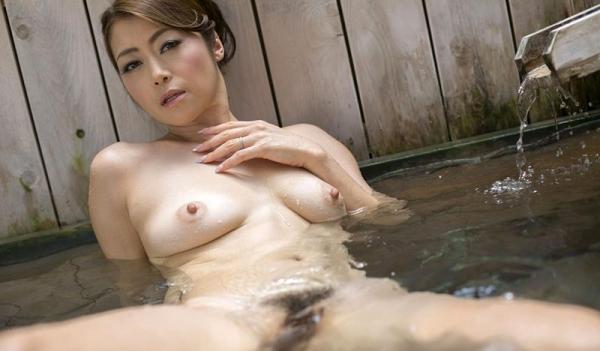 美熟女の入浴シーン 北条麻妃 しっとりエロ画像70枚の063枚目