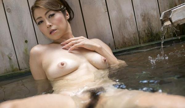 美熟女の入浴シーン 北条麻妃 しっとりエロ画像70枚の064枚目