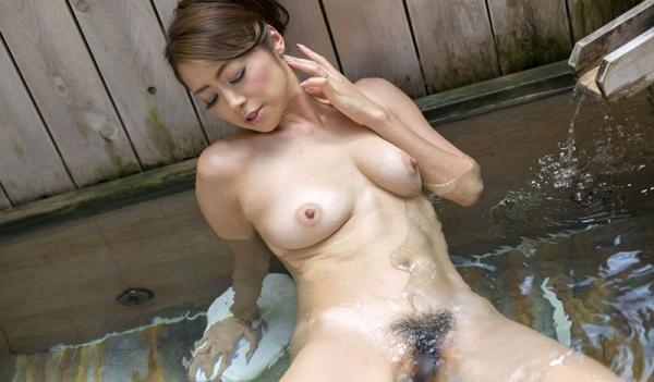 美熟女の入浴シーン 北条麻妃 しっとりエロ画像70枚の065枚目