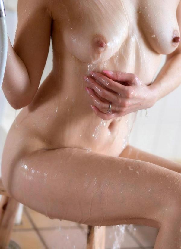 熟女の入浴画像 北条麻妃さん、しっとりと温泉入浴中68枚のa03枚目