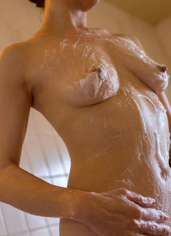 熟女の入浴画像 北条麻妃さん、しっとりと温泉入浴中68枚のa09枚目