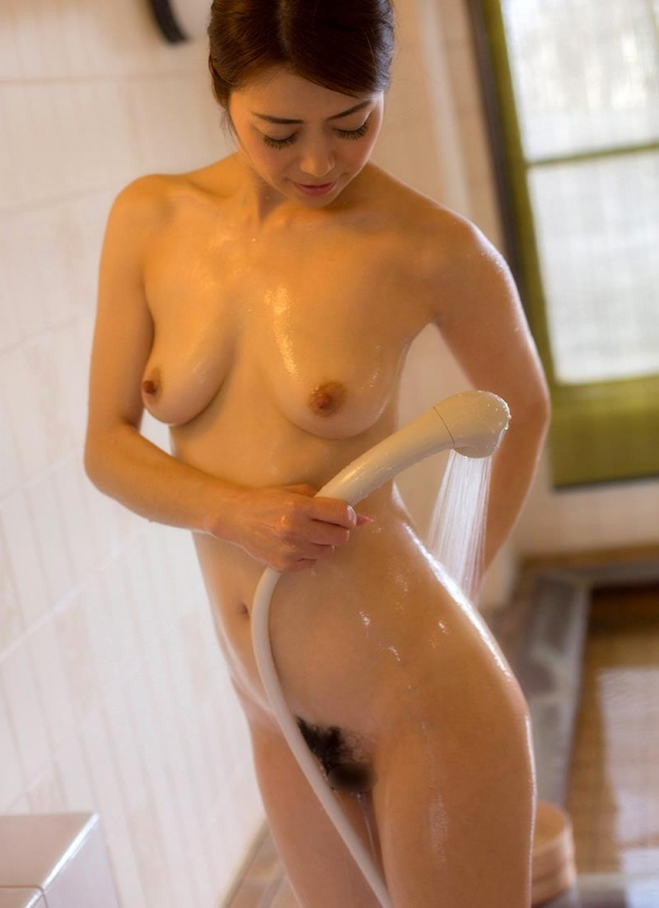 熟女の入浴画像 北条麻妃さん、しっとりと温泉入浴中68枚のa15枚目