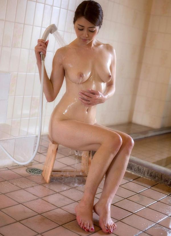 熟女の入浴画像 北条麻妃さん、しっとりと温泉入浴中68枚のa16枚目