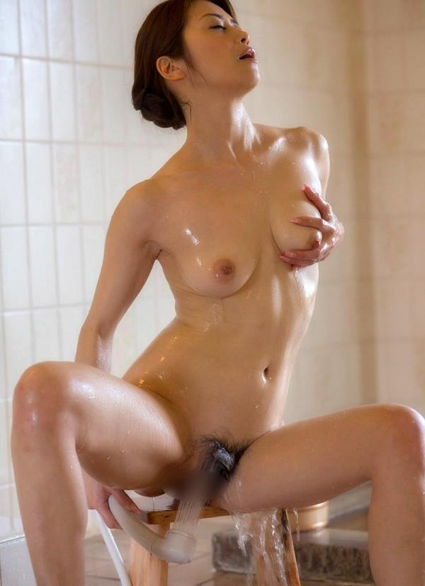 熟女の入浴画像 北条麻妃さん、しっとりと温泉入浴中68枚のa18枚目