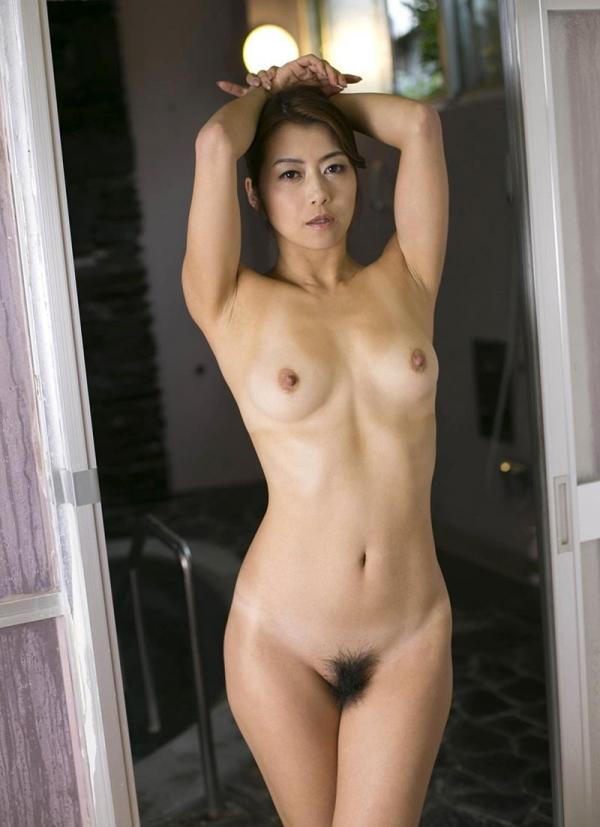 熟女の入浴画像 北条麻妃さん、しっとりと温泉入浴中68枚のb08枚目