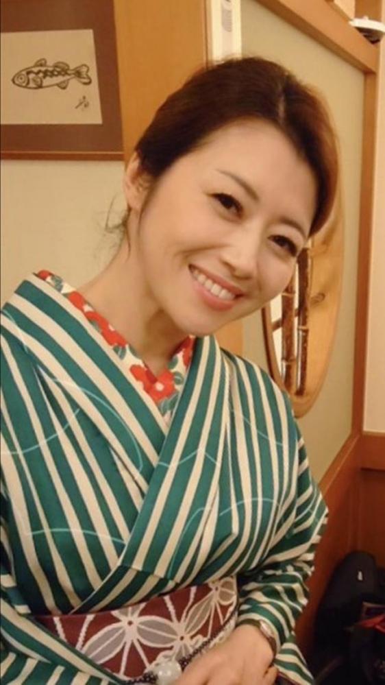 北条麻妃 妖艶な四十路のスレンダー美熟女エロ画像の03枚目