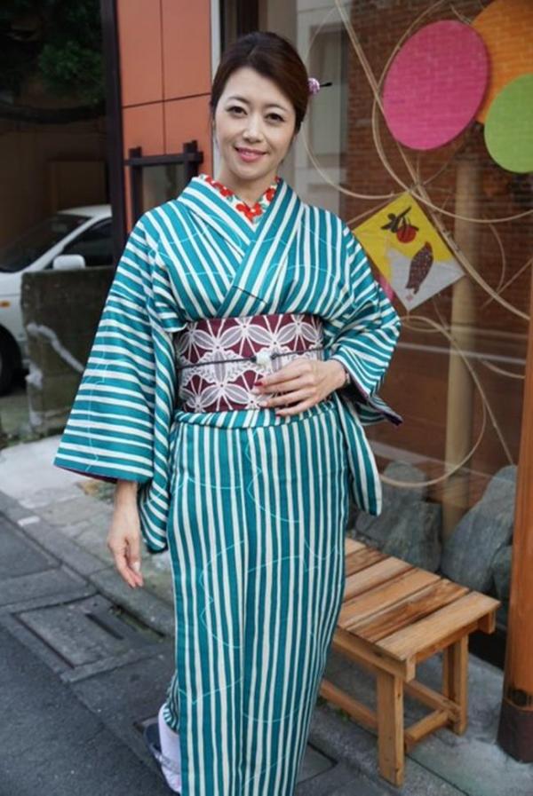 北条麻妃 妖艶な四十路のスレンダー美熟女エロ画像の06枚目