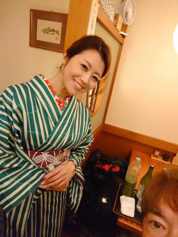 北条麻妃 妖艶な四十路のスレンダー美熟女エロ画像の07枚目