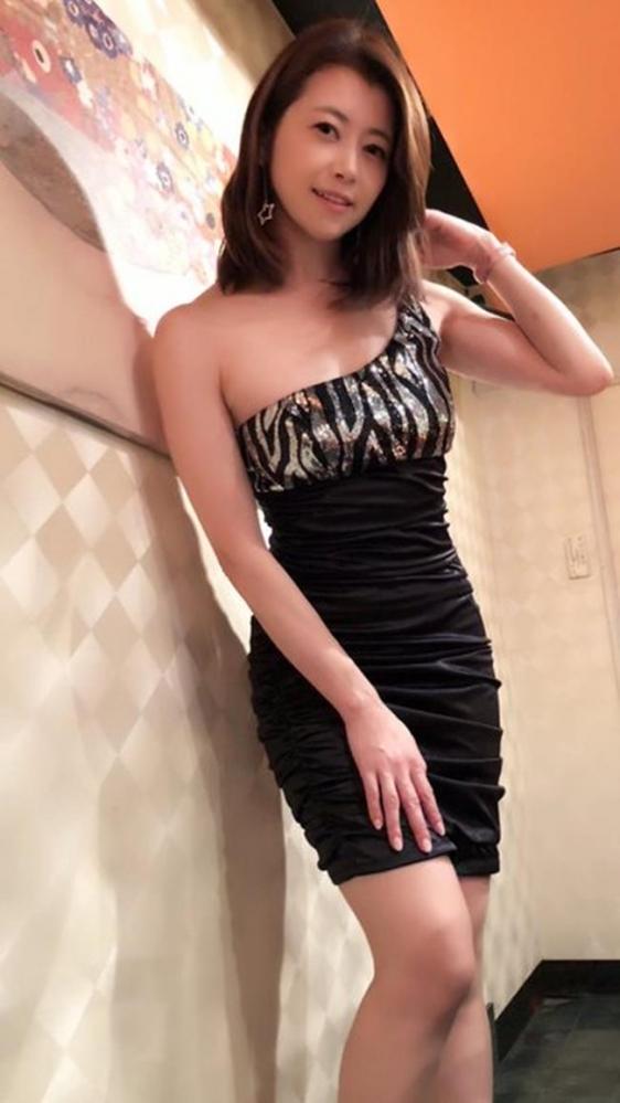 北条麻妃 妖艶な四十路のスレンダー美熟女エロ画像の10枚目