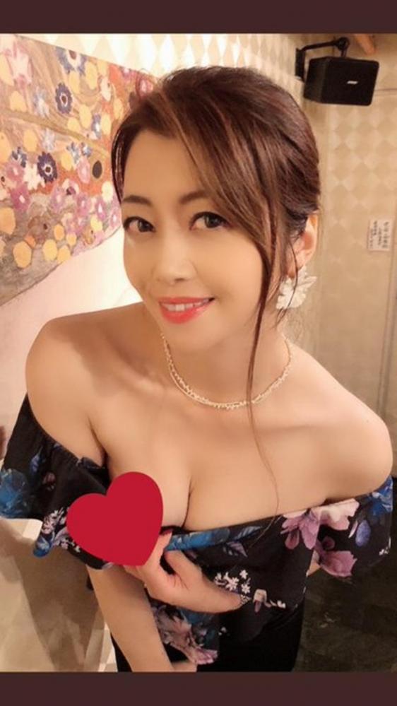北条麻妃 妖艶な四十路のスレンダー美熟女エロ画像の13枚目