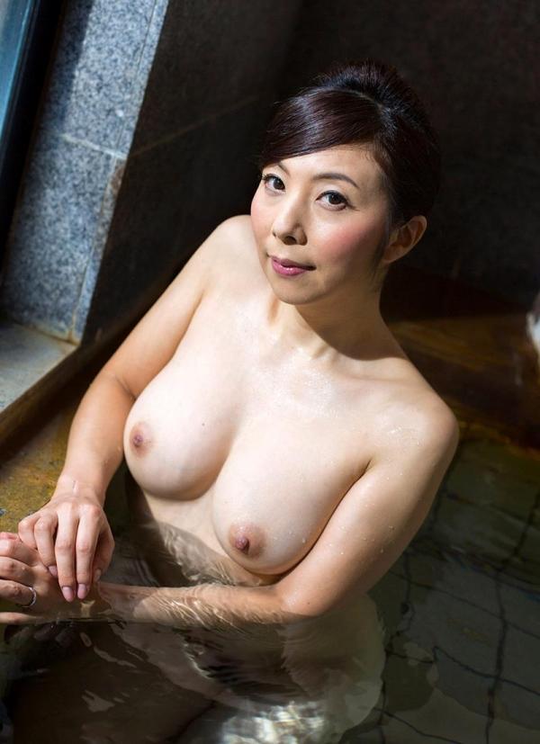 一条綺美香(いちじょうきみか)オールヌード 美熟女入浴画像38枚の024枚目