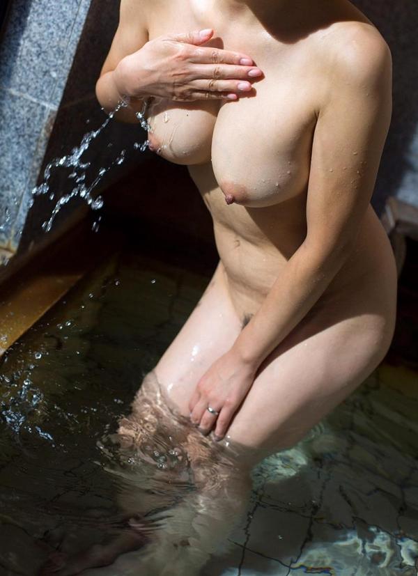 一条綺美香(いちじょうきみか)オールヌード 美熟女入浴画像38枚の025枚目