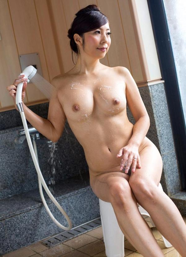 一条綺美香(いちじょうきみか)オールヌード 美熟女入浴画像38枚の035枚目