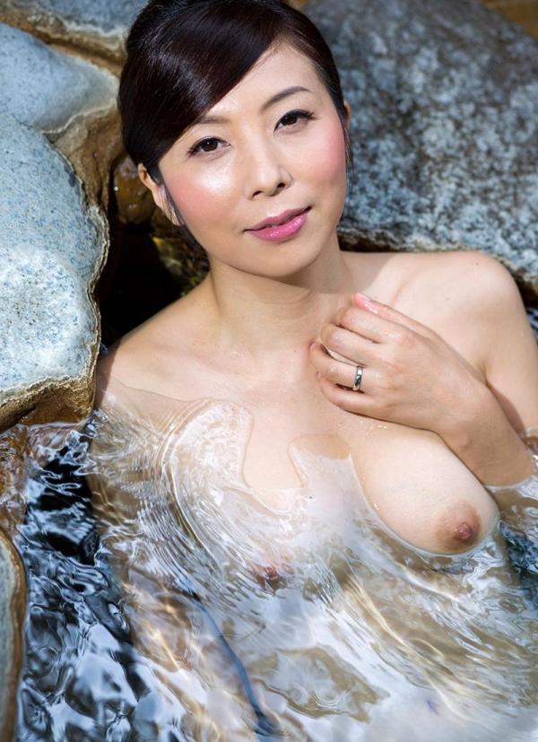 美熟女入浴画像 妖艶アラフィフ一条綺美香60枚の015枚目