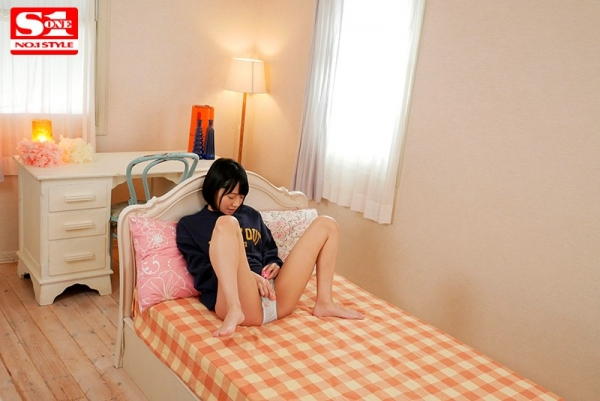 伊賀まこ 透明感溢れるスレンダー美少女エロ画像25枚のb010枚目
