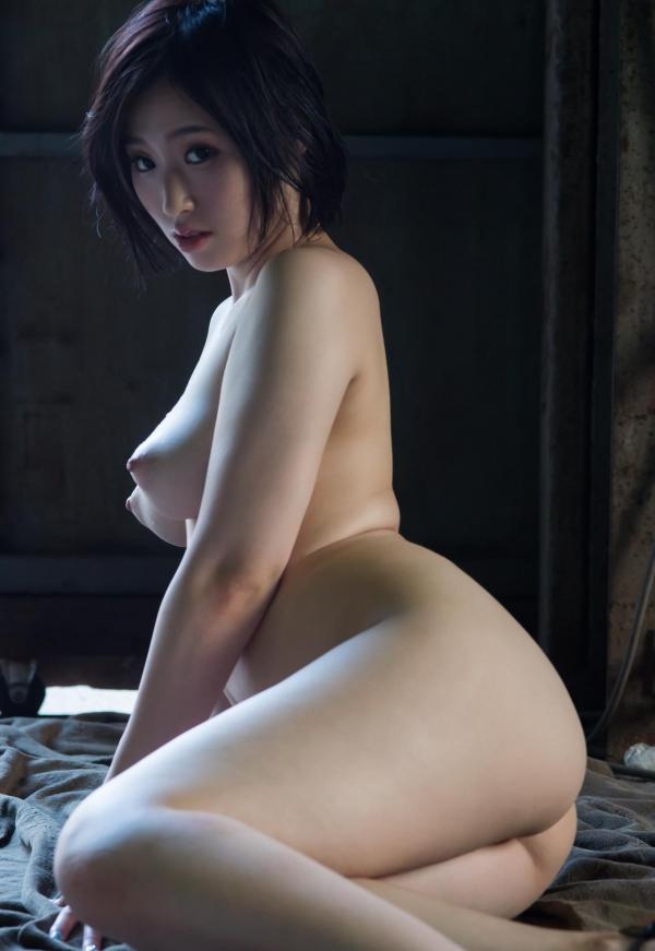 今永さな 美巨乳の艶やか美人ヌード画像120枚の120枚目