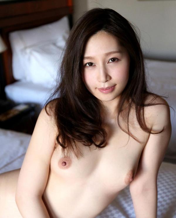 色白ヌード 透き通る様に白い美肌の女体画像60枚の020枚目