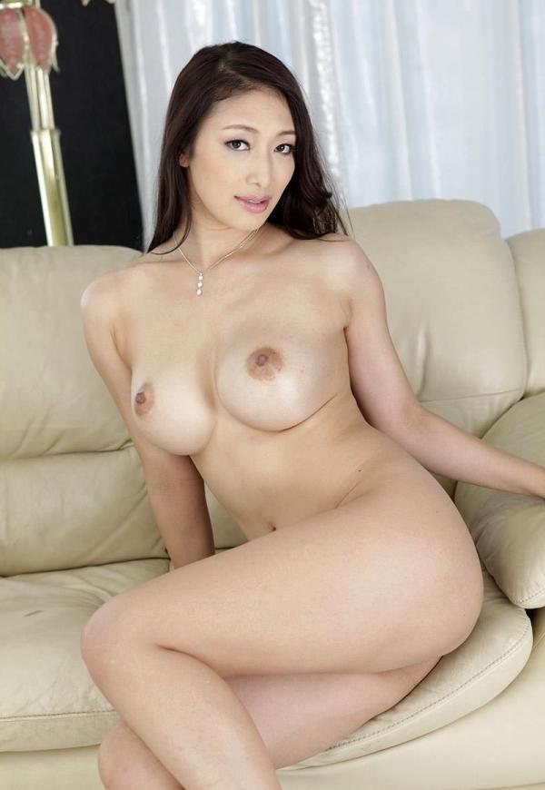 色白ヌード 透き通る様に白い美肌の女体画像60枚の056枚目