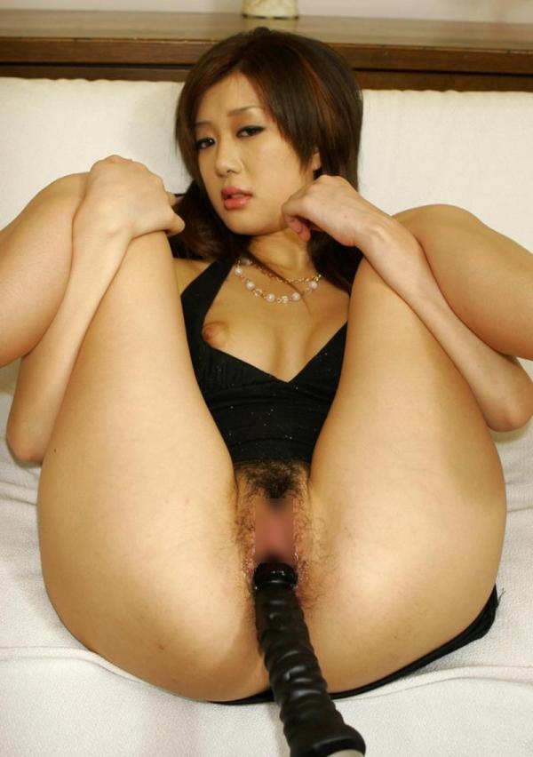 美女のおまんこを男二人で凌辱!紺野りさ子エロ画像30枚の25枚目