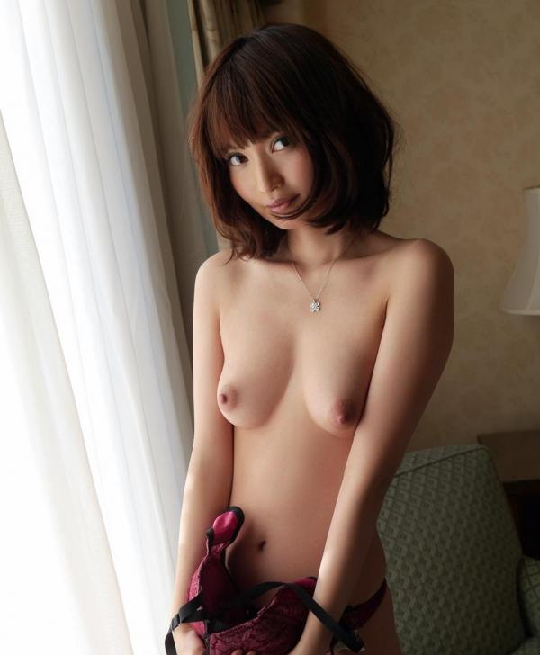 一色里桜 上向き美乳の美女セックス画像100枚の045