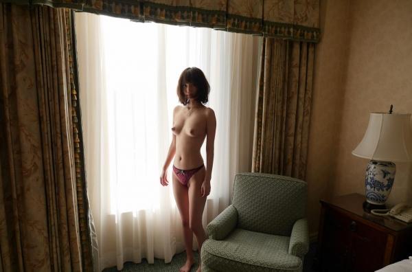 一色里桜 上向き美乳の美女セックス画像100枚の048