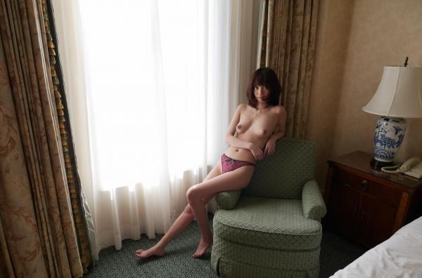 一色里桜 上向き美乳の美女セックス画像100枚の049