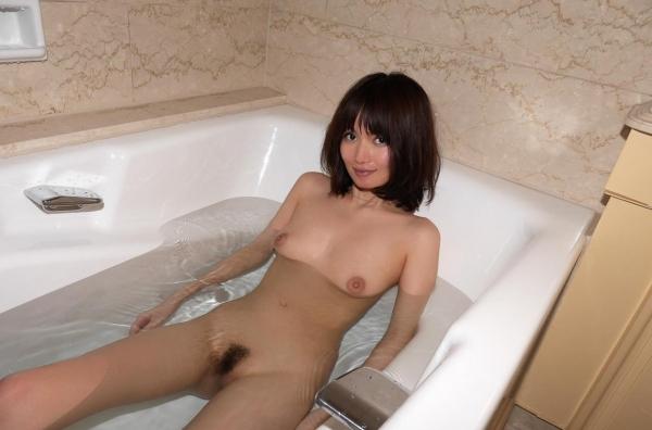 一色里桜 上向き美乳の美女セックス画像100枚の097