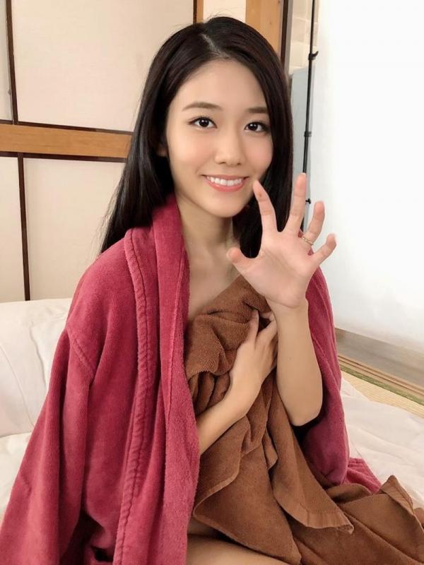 神宮寺ナオ 元女子アナ志望の巨乳美女エロ画像41枚のa09枚目