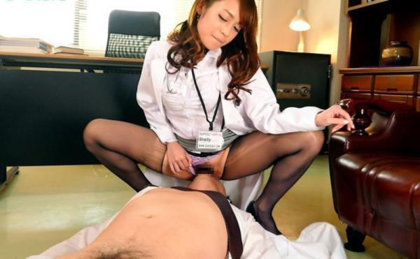 美人女医が淫らな雌になり誘惑するエロ画像110枚の003枚目